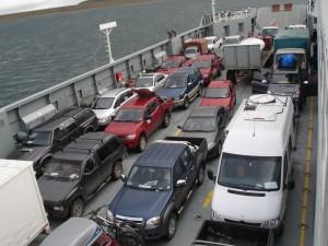 Cruzando el estrecho de Magallanes desde Pta. Arenas a El Porvenir