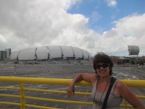 Zulma frente al Arena das Dunas, en Natal