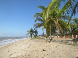 La playa solo para nosotros frente a nuestro campamento